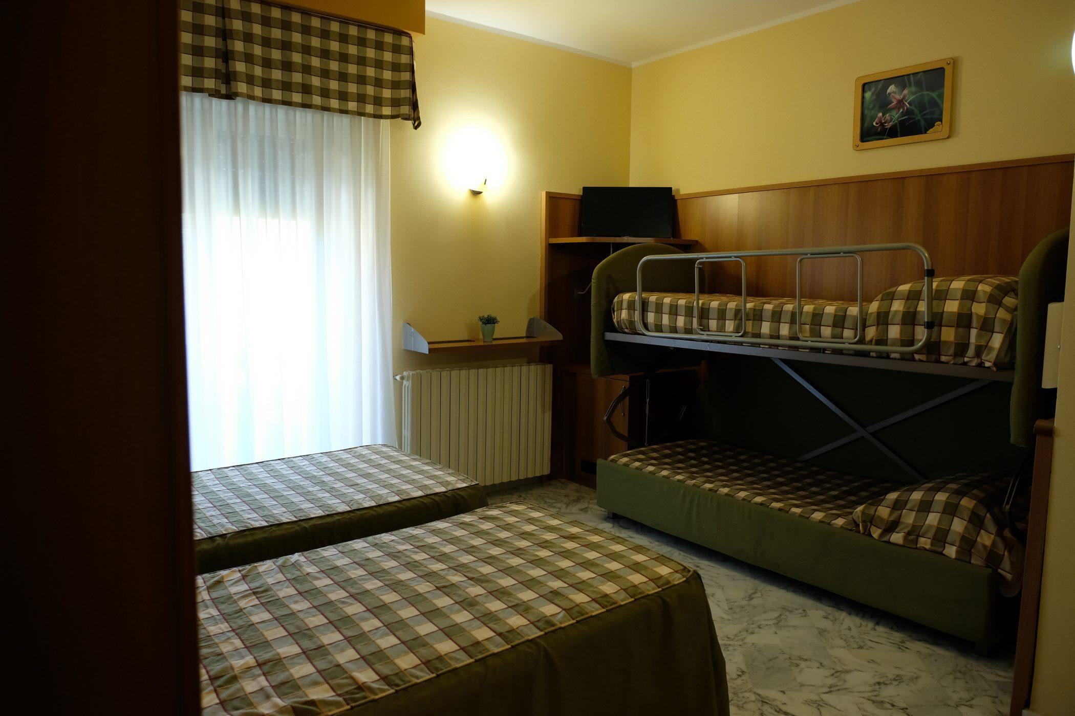 Camera quadrupla hotel Pescofalcone