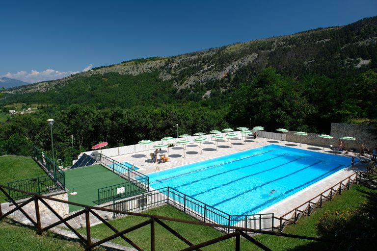 piscina caramanico